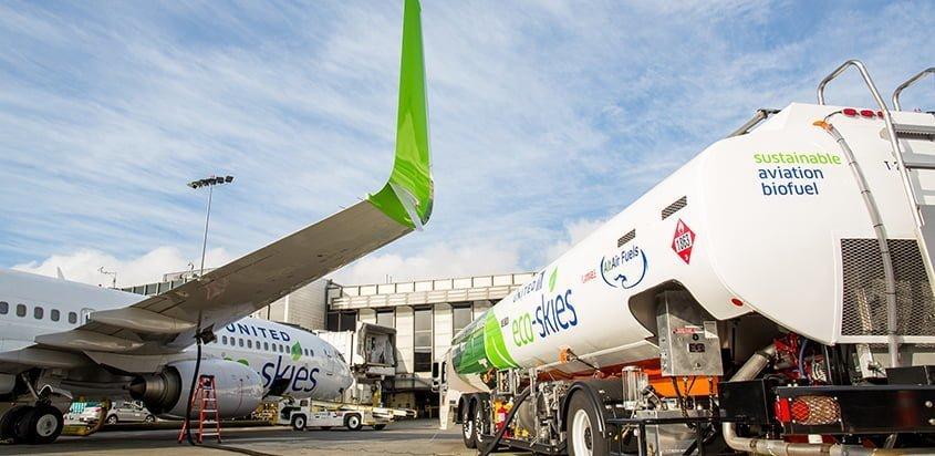United Airlines operando con biocombustible