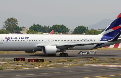 Boeing 767-300 con los colores de LATAM Airlines.