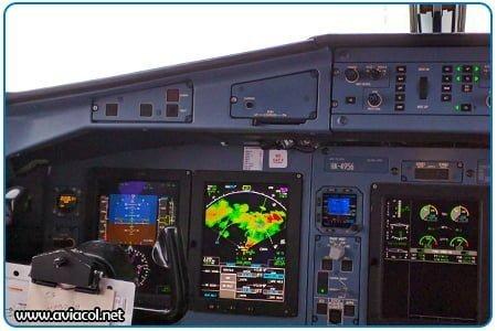 Cabina ATR 72 Instrumentos de Vuelo - Radar Meteorológico