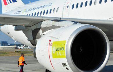 Avión de Air France usando biocombustible