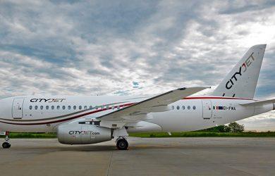 Avión SSJ100 de CityJet