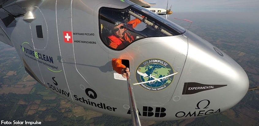 Bertrand Piccard volando el Solar Impulse