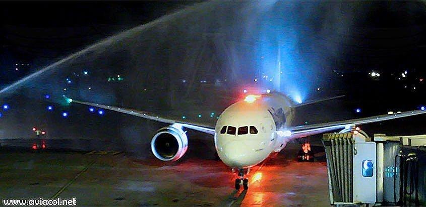 Llegada del primer vuelo de Air Europa a Bogotá