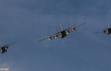 Aviones de la FAC volando en formación