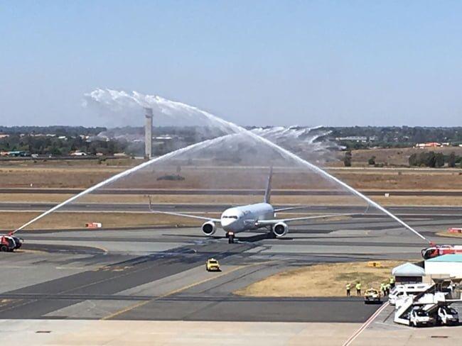 Recibimiento a LATAM en Johannesburgo tras aterrizar