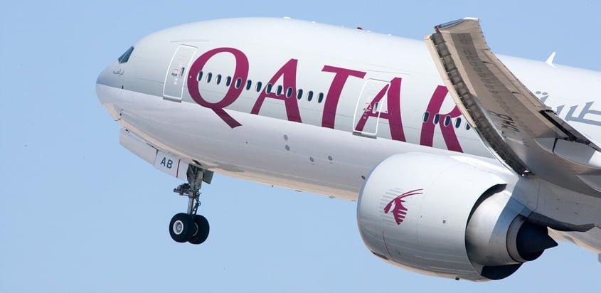 Boeing 777 de Qatar Airways aterrizando