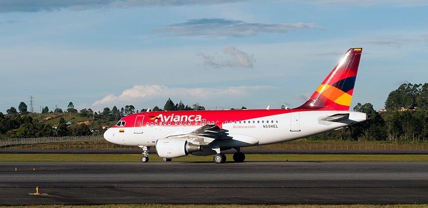 Airbus A318 de Avianca en su llegada a Colombia.