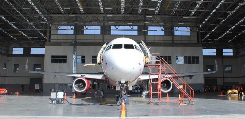 Airbus A320 de Avianca en el MRO.