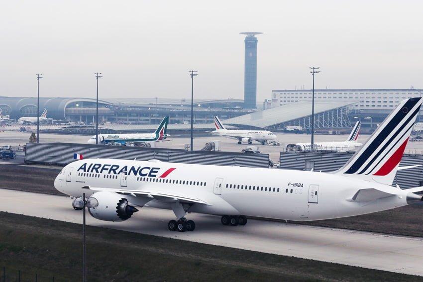 Boeing 787-9 de Air France en rodaje.