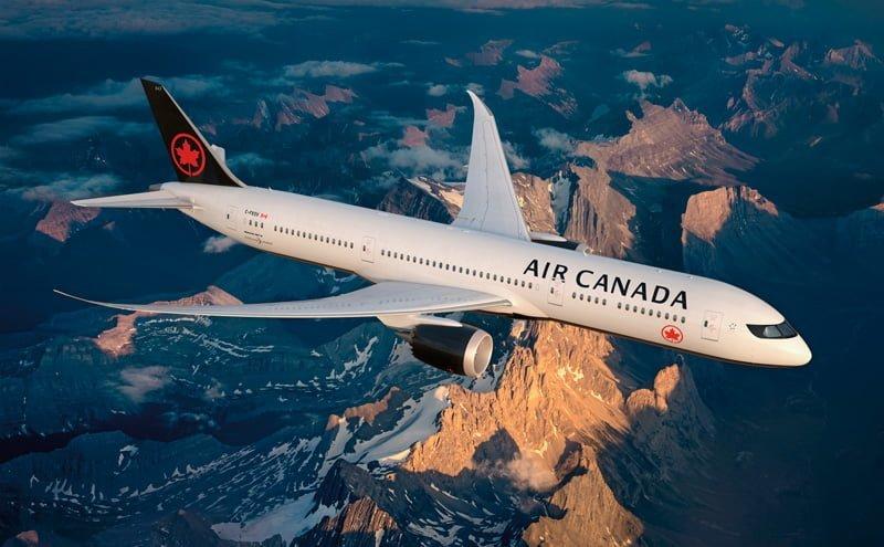 Boeing 787 de Air Canada con nuevos colores.