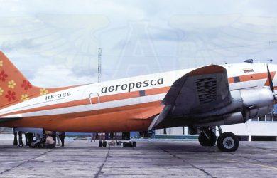 Curtiss C-46 de Aeropesca en plataforma. Foto Michael Prophet - Colección Jaime Escobar