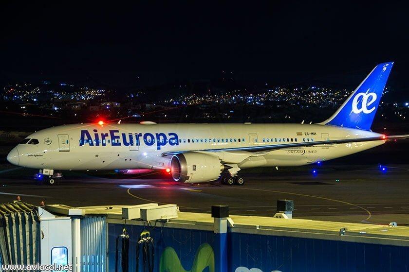 Primer vuelo de Air Europa a Bogotá.