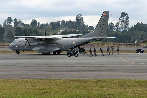 Demostración de capacidades de la Fuerza Aérea Colombiana en F-AIR 2017.