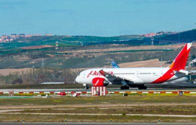 Boeing 787-8 de Avianca en Madrid, España.