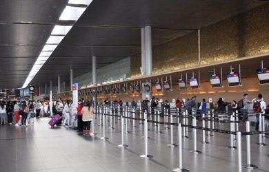 Pasajeros en el Aeropuerto Internacional Eldorado de Bogotá.