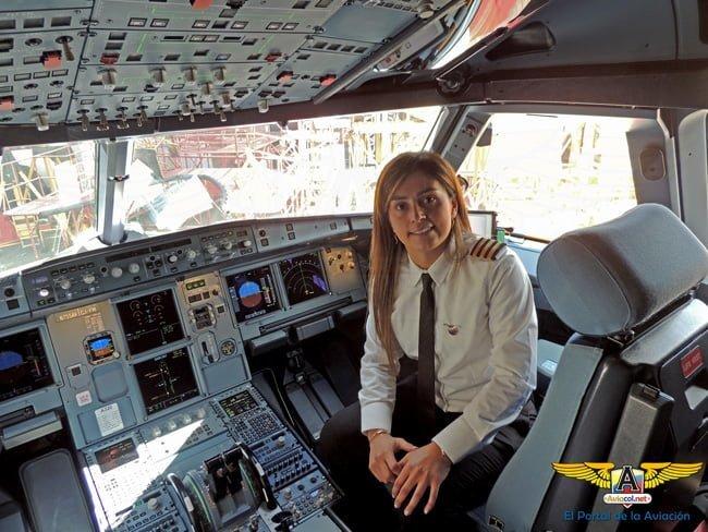 Camila Basto Primer Oficial que transportará al Papa Francisco en su regreso a Roma.