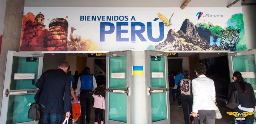 Llegada al Aeropuerto Internacional Jorge Chávez de Lima, Perú.
