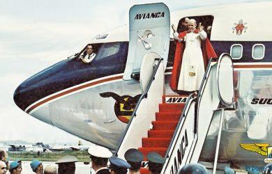 Llegada del Papa Pablo VI a Colombia.