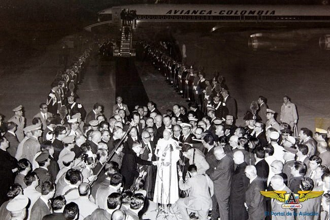 Salida del Papa Pablo VI de Roma a Bogotá.