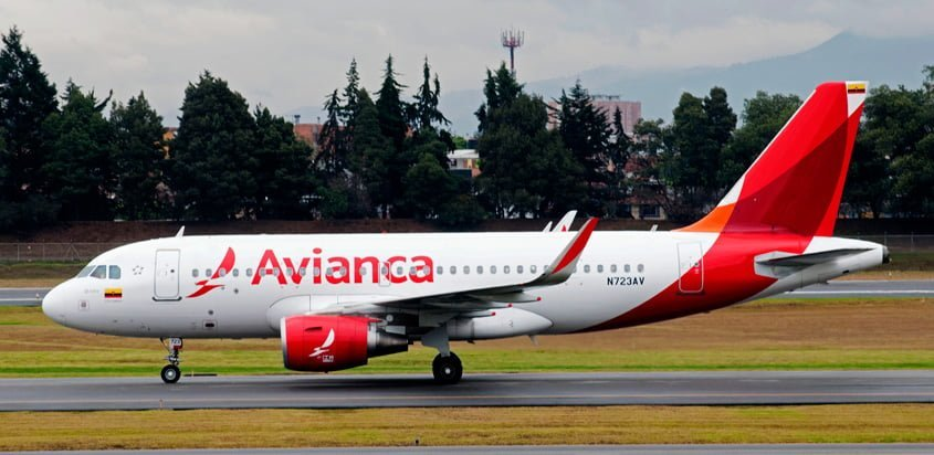 Airbus A319 de Avianca en plataforma.