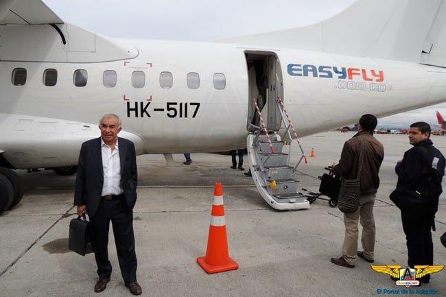 Alfonso Ávila - Fundador y Presidente de Easyfly en el abordaje del vuelo.