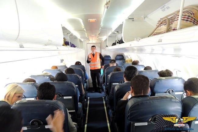 Cabina ATR 42-500 de EasyFly.