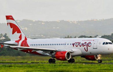 Airbus A319 de Air Canada Rouge en rodaje.