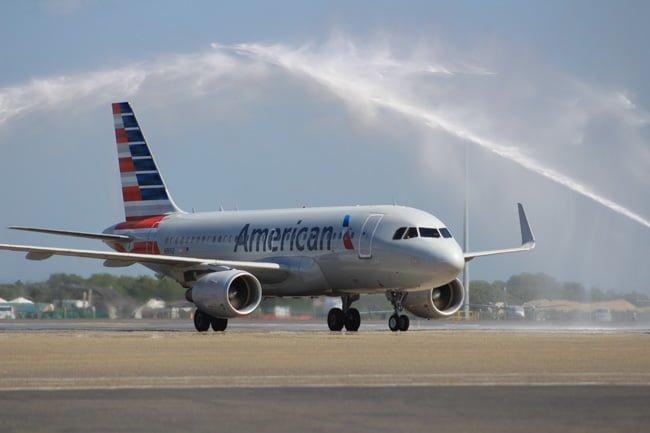 Airbus A319 de American Airlines en su primer vuelo de Miami a Cartagena.