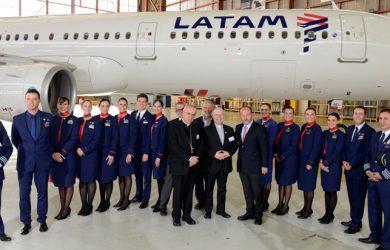 Tripulación de LATAM que transportará la Papa Francisco en su viaje a Chile y Perú.