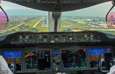 Cabina Boeing 787 en Aproximación a Bogotá