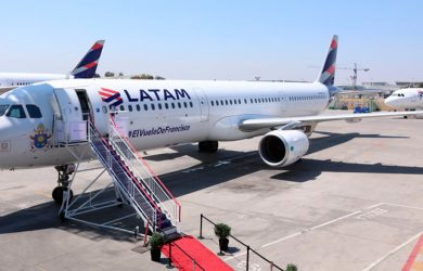 Airbus A321 de LATAM Airlines que transporta al Papa Francisco en su viaje a Chile y Perú.
