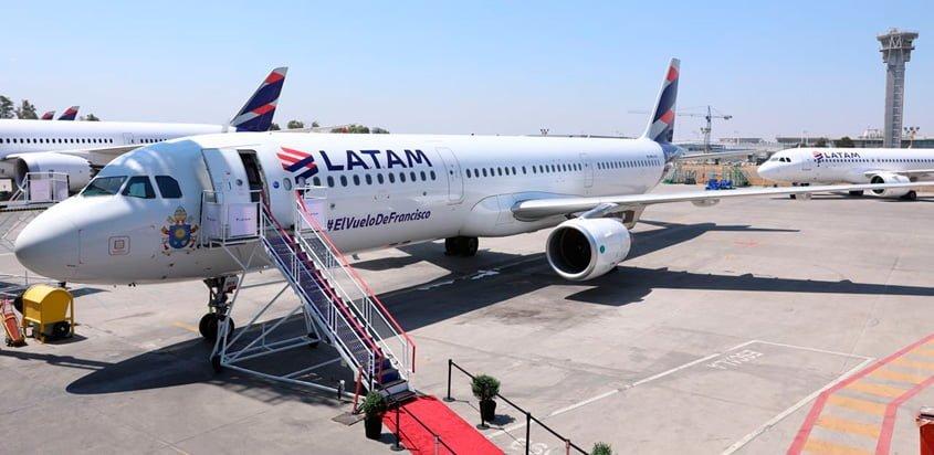 Airbus A321 de LATAM Airlines que transportará al Papa Francisco en su visita a Chile y Perú.