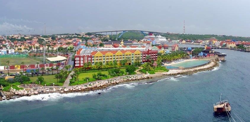Vista aérea de Willemstad, Curaçao.