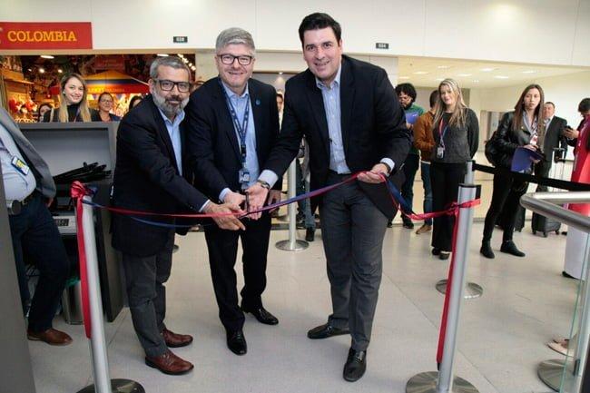 ProColombia, Aerocivil y LATAM inauguran oficialmente los vuelos de Lima a Medellín.