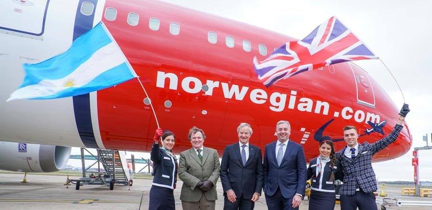 Salida del primer vuelo de Norwegian de Londres a Buenos Aires, Argentina.