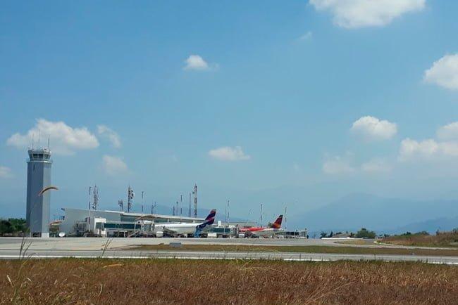 Aeropuerto Internacional Palonegro que sirve a la ciudad de Bucaramanga.