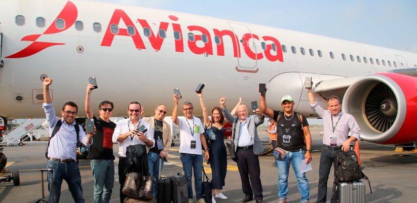 Ganadores del Samsung Galaxy S9 en vuelo de Avianca a Cartagena.