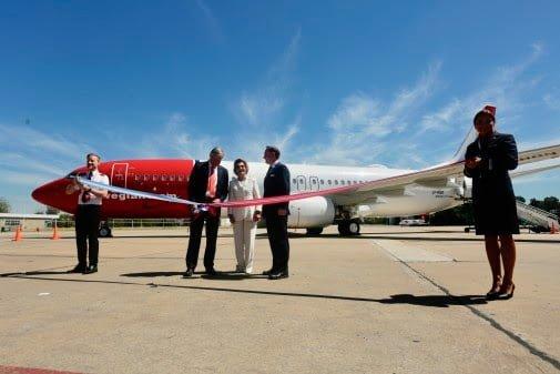 Presentación del Primer Boeing 737 de Norwegian Argentina ante los Reyes de Noruega.