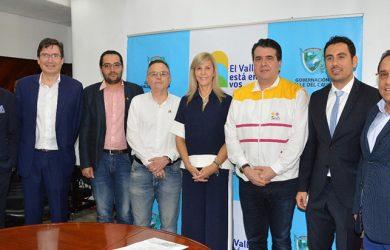 Rueda de Prensa con el anuncio del inicio de operaciones a Cartago de VivaColombia.