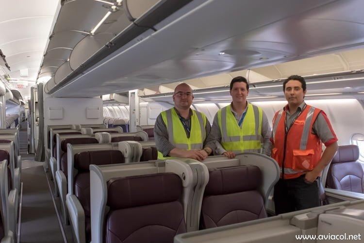 Equipo humano de Avianca a cargo del traslado y transformación del Airbus A330-300.