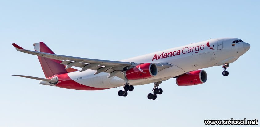 Airbus A330F de Avianca Cargo aterrizando en Miami.