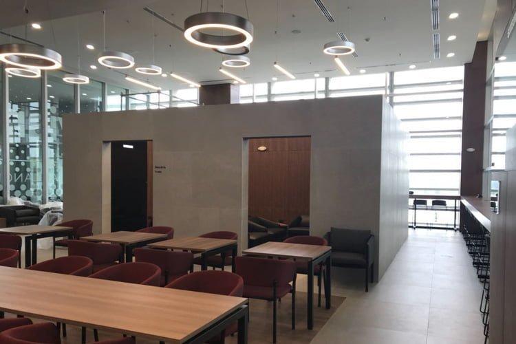 Sala V.I.P de Avianca en el Aeropuerto Alfonso Bonilla Aragón de Cali.