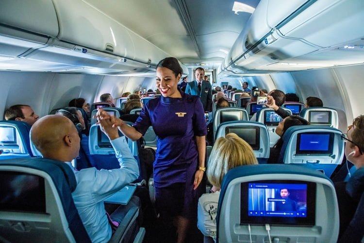 Nuevo Uniformes de Delta Air Lines.