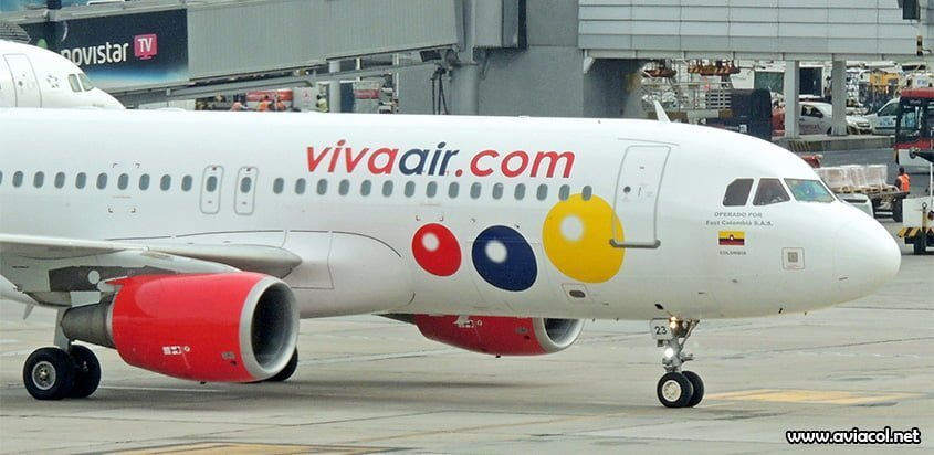 Airbus A320 de Viva Air llegando a la Terminal Nacional del Aeropuerto Eldorado de Bogotá.