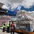 Carga de un Boeing 777F de LATAM Cargo.