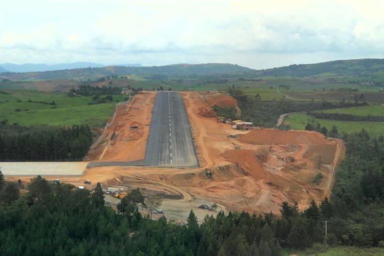 Vista aérea del Aeropuerto Los Pozos de San Gil, Santander.