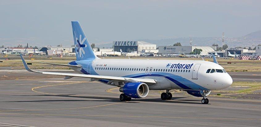 Airbus A320 de Interjet en rodaje en Ciudad de México.