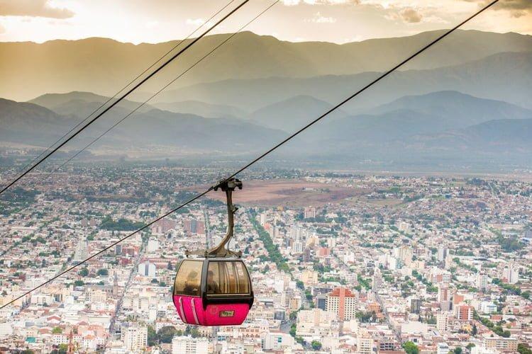 Vista del Teleférico de Salta, Argentina.