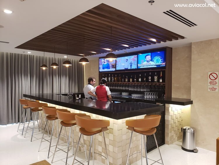 Bar del Copa Club de Copa Airlines en Bogotá.