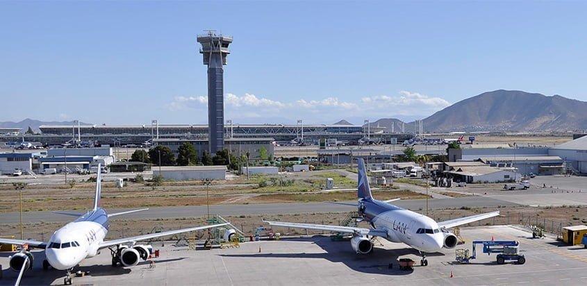 Vista del Aeropuerto Comodoro Arturo Merino Benítez de Santiago de Chile.